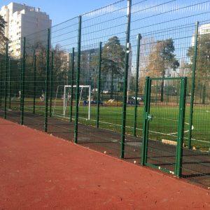 Мини-футбольное поле из сварной сетки