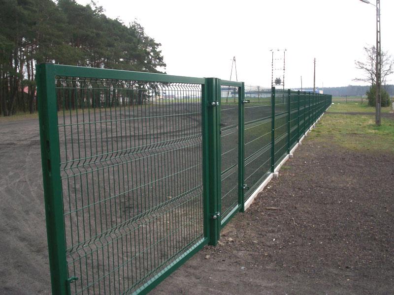 забор из сетки сварной в полимерном покрытии фото