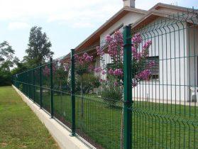 Сеточный забор в Никополе