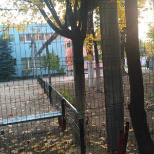 Забор для детского сада из сетки сварной