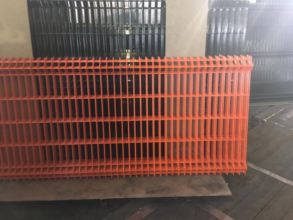 сетка для забора оранжевая